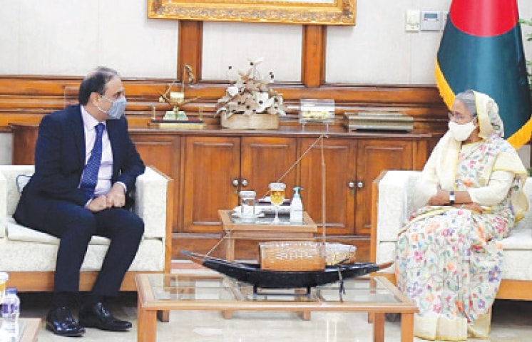 HIGH Commissioner Imran Ahmed Siddiqui in conversation with Prime Minister Sheikh Hasina Wajed.