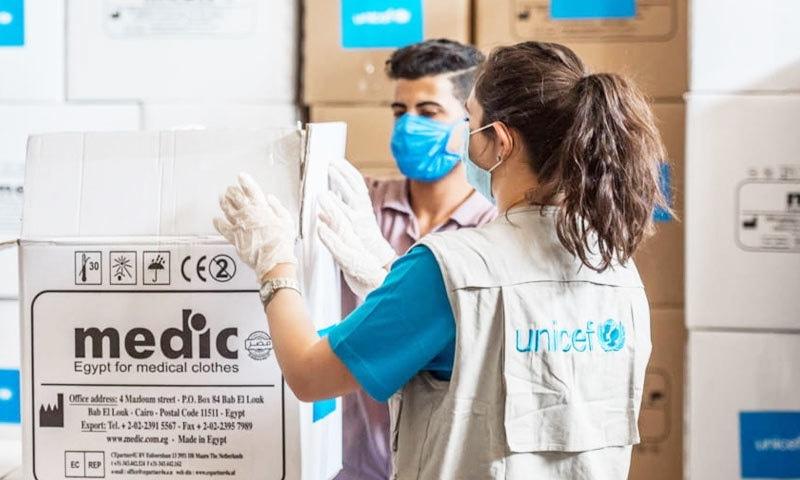 یونیسیف سمیت دیگر عالمی ادارے ویکسین کی ترسیل کے لیے فنڈز جمع کرنے میں مصروف ہیں—فوٹو: ٹیگ واک