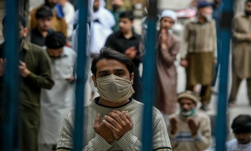 کورونا وائرس کی دوسری لہر: پاکستان میں ایک روز میں 89 اموات