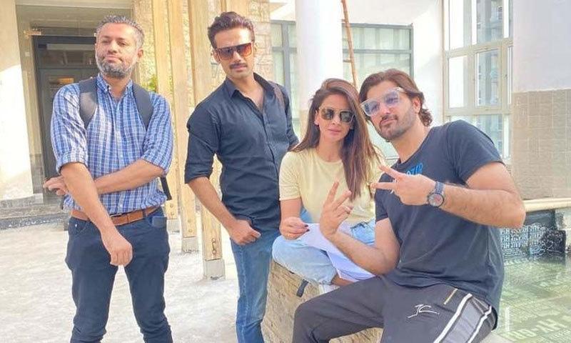 فلم کی شوٹنگ کراچی کے ضلع ملیر میں جاری ہے—فوٹو: ڈان آئیکون