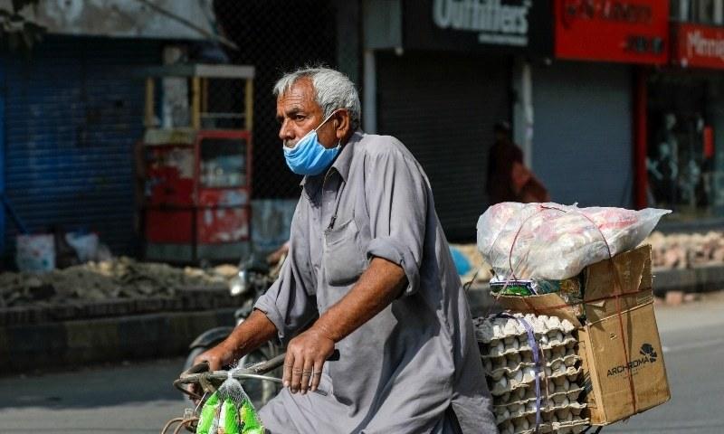 پاکستان میں کورونا ویکسین سے متعلق سازشی رجحان سے نجات کی ضرورت