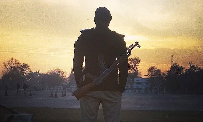 سی سی پی او لاہور کے مزید ایک افسر سے 'اختلافات' کی باز گشت