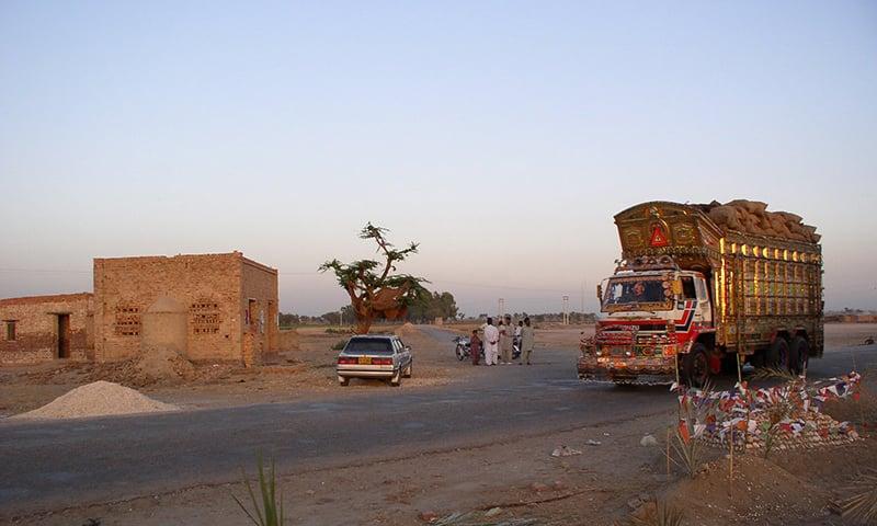 جیکب آباد میں کوئٹہ روڈ