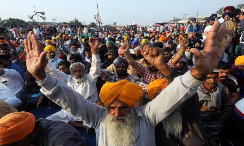 Indian farmers intensify protests as deadlock over new laws continue -  World - DAWN.COM