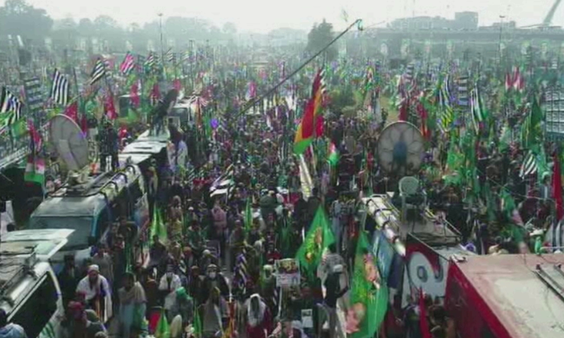 Pakistan Democratic Movement (PDM) workers gather for the rally in Lahore. — DawnNewsTV