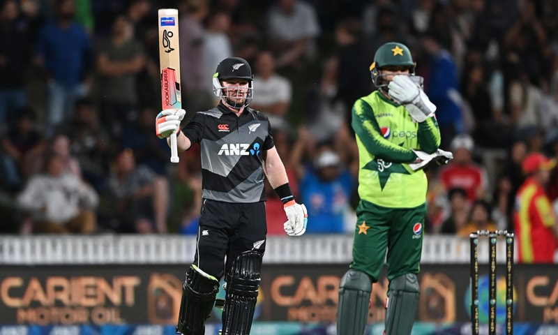 دوسرا ٹی 20: نیوزی لینڈ نے باآسانی پاکستان کو شکست دے کر سیریز اپنے نام کرلی