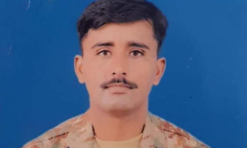 بلوچستان: سیکیورٹی فورسز کی دہشت گردوں کے خلاف کارروائی، اہلکار شہید