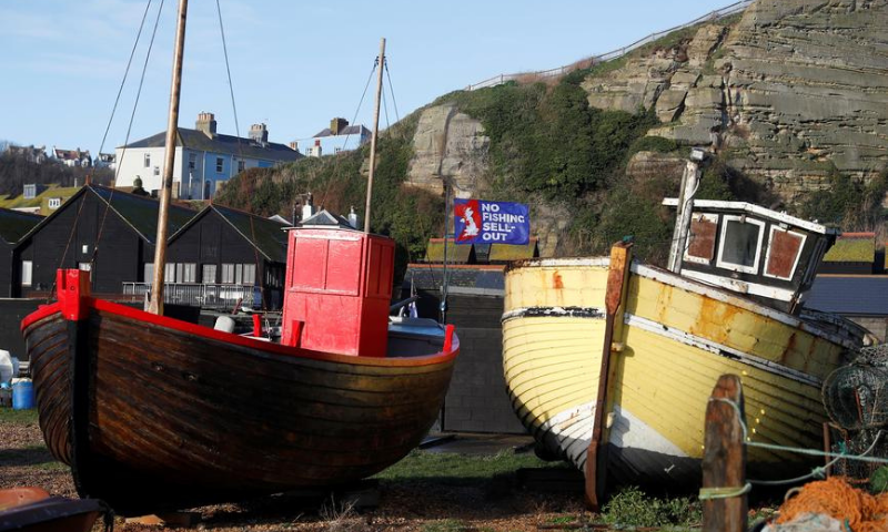 Negotiations for a post-Brexit trade deal teetered on the brink of failure on Sunday, overshadowed by the coronavirus crisis and deadlocked over the issue of fishing rights. — Reuters/File