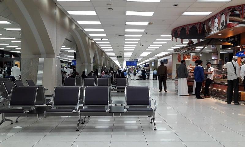 کورونا کی نئی قسم، سعودی عرب اور عمان نے ایک ہفتے کیلئے بین الاقوامی پروازیں معطل کردیں