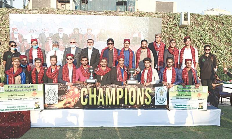 KARACHI: Victorious Sindh U-19 cricket squad seen with Secretary Sports Imtiaz Ali Shah at a reception  on Friday.