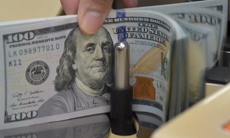 پاکستان کا کرنٹ اکاؤنٹ لگاتار پانچویں مہینے سرپلس میں رہنے کے بعد 44کروڑ 70 لاکھ ڈالر پر پہنچ گیا ہے— فائل فوٹو: اے ایف پی