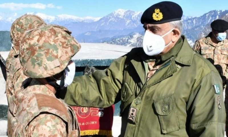 Army Chief Gen Qamar Javed Bajwa interacts with troops at the LoC on Tuesday. — Photo courtesy: ISPR
