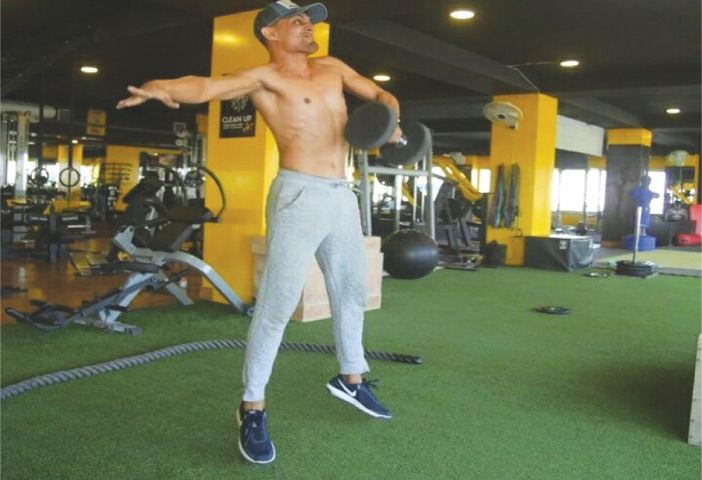 Shehzar Mohammad training in his well-equipped gym in Karachi