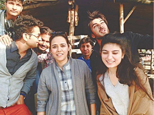 Mehreen Jabbar with the cast and crew of her upcoming drama serial Zulekha Bina Yusuf