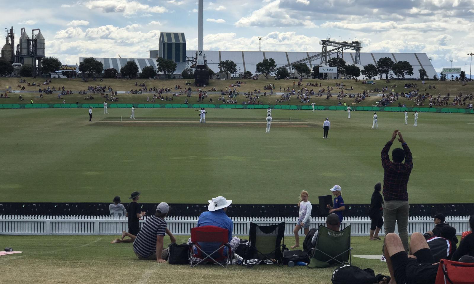 میدان میں تماشائی بھی موجود تھے—فوٹو: بلیک کیپس ٹوئٹر