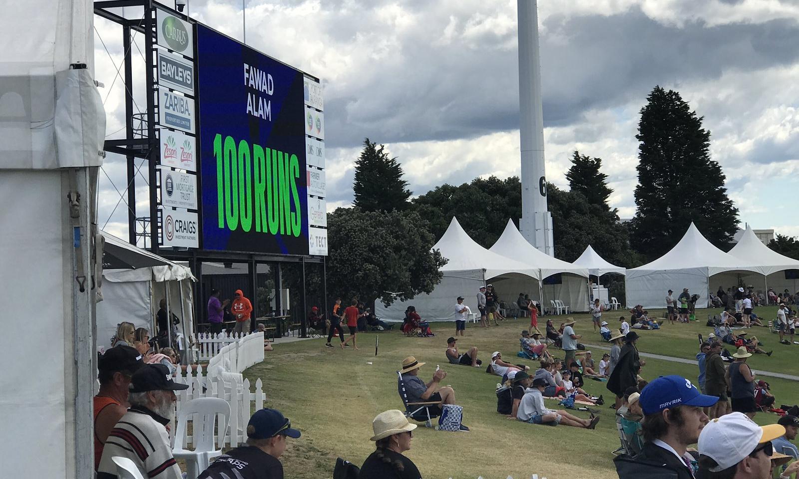 نیوزی لینڈ کے باؤلرز نے اچھی کارکردگی کا مظاہرہ کیا—فوٹو: بلیک کیپس ٹوئٹر