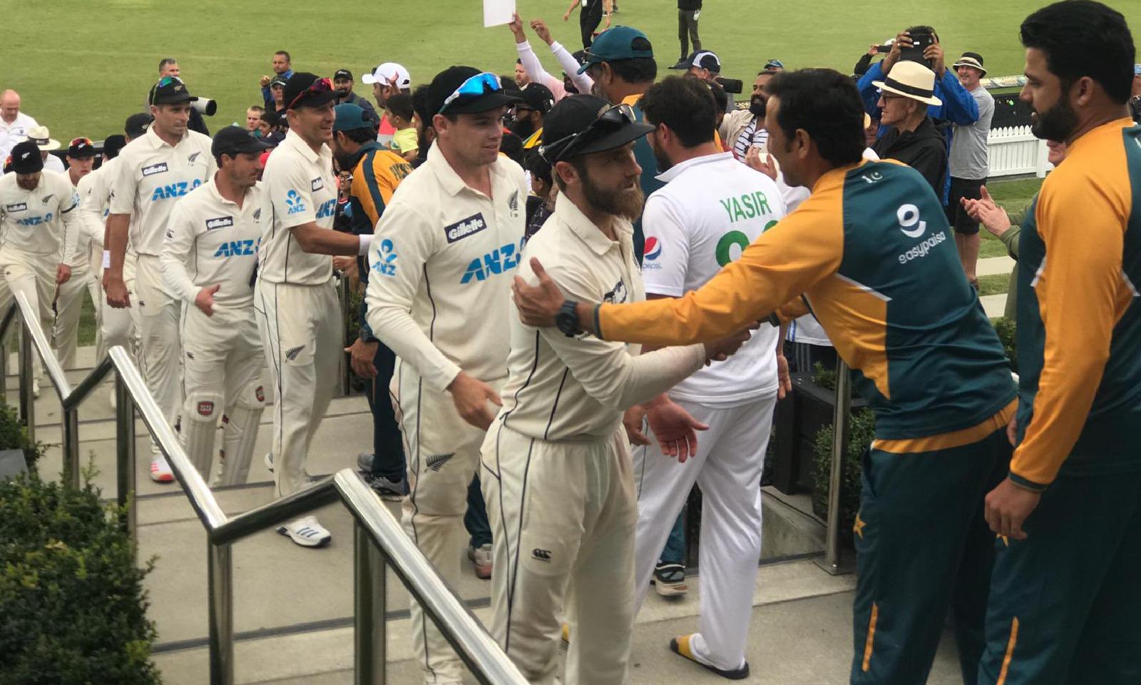 نیوزی لینڈ نے دوسری اننگز میں پاکستان کی پوری ٹیم کو 271 رنز پر آؤٹ کیا—فوٹو: بلیک کیپس ٹوئٹر