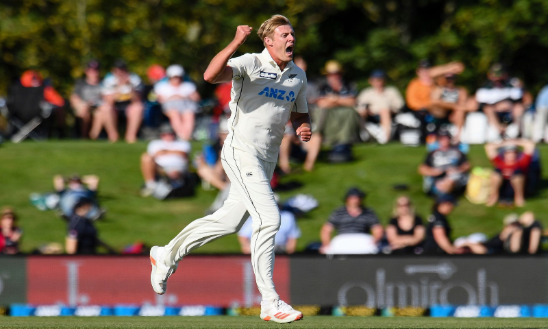 New Zealand bowler Kyle Jamieson celebrates after taking a wicket during play on the first day of the second cricket Test between Pakistan and New Zealand at Hagley Oval, Christchurch, New Zealand, Jan 3, 2021. —  AP