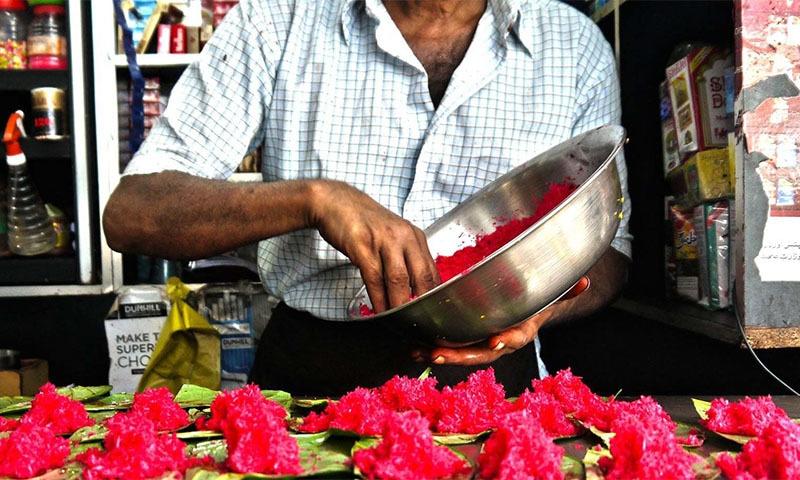 پان کھانے کی روایت اپنے آپ میں ایک پوری تہذیب سمیٹے ہوئے ہے