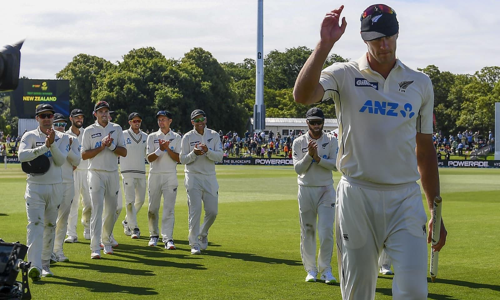 نیوزی لینڈ کے کائل جیمیسن نے میچ میں 11 کھلاڑیوں کو پویلین کی راہ دکھائی — فوٹو: اے پی