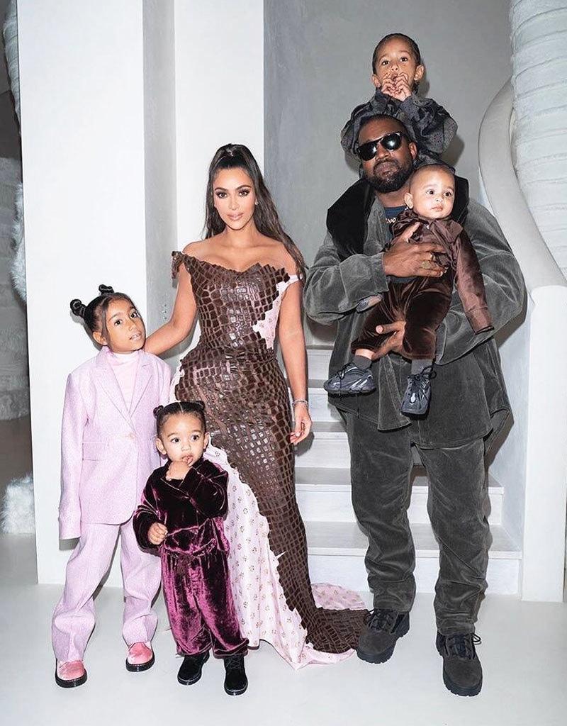 دونوں کو چار بچے بھی ہیں—فائل فوٹو: انسٹاگرام