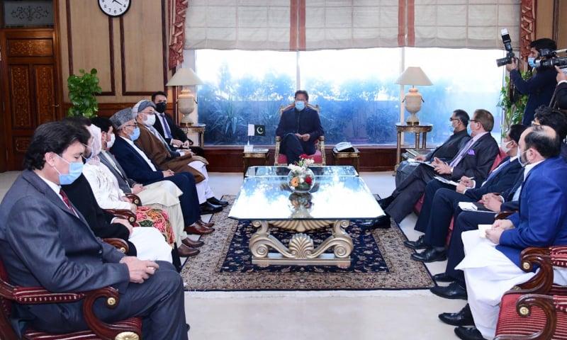تنازع کے جامع حل کیلئے بین الافغان مذاکرات کو آگے بڑھانا ناگزیر ہے، وزیراعظم