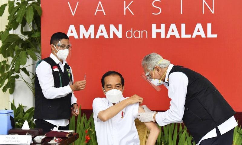 سب سے بڑے اسلامی ملک انڈونیشیا میں کورونا ویکسین کا استعمال شروع