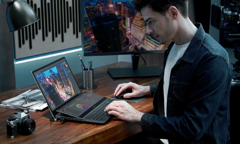 ڈوئل اسکرین والا لیپ ٹاپ خریدنا پسند کریں گے؟