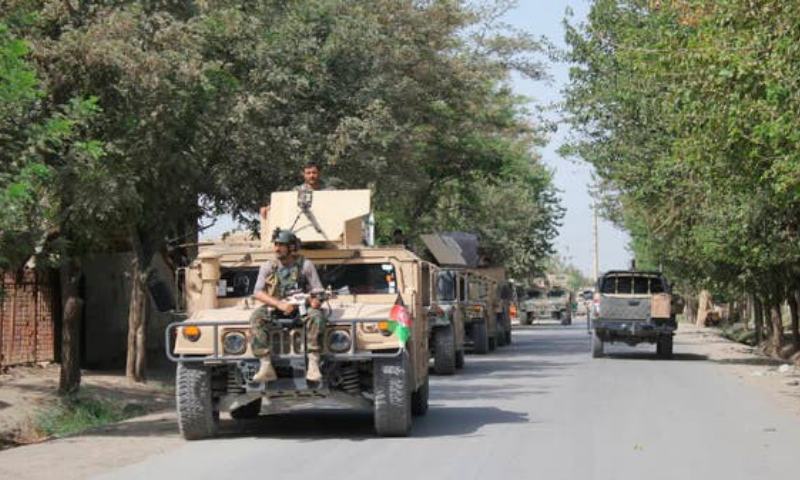 At least nine Afghan security personnel were killed when Taliban militants attacked two police checkpoints overnight in a restive northern province. — AP/File