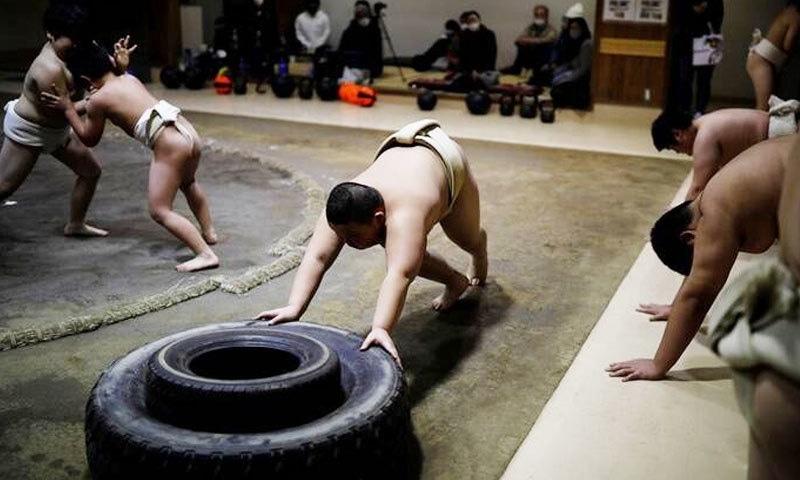 کیوٹو کماگائی اس وقت دن کا بہت زیادہ وقت تربیت میں گزارتے ہیں—فوٹو: رائٹرز