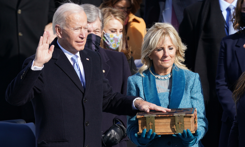 Joe Biden sworn in as 46th US president, takes helm of deeply divided  nation - DAWN.COM