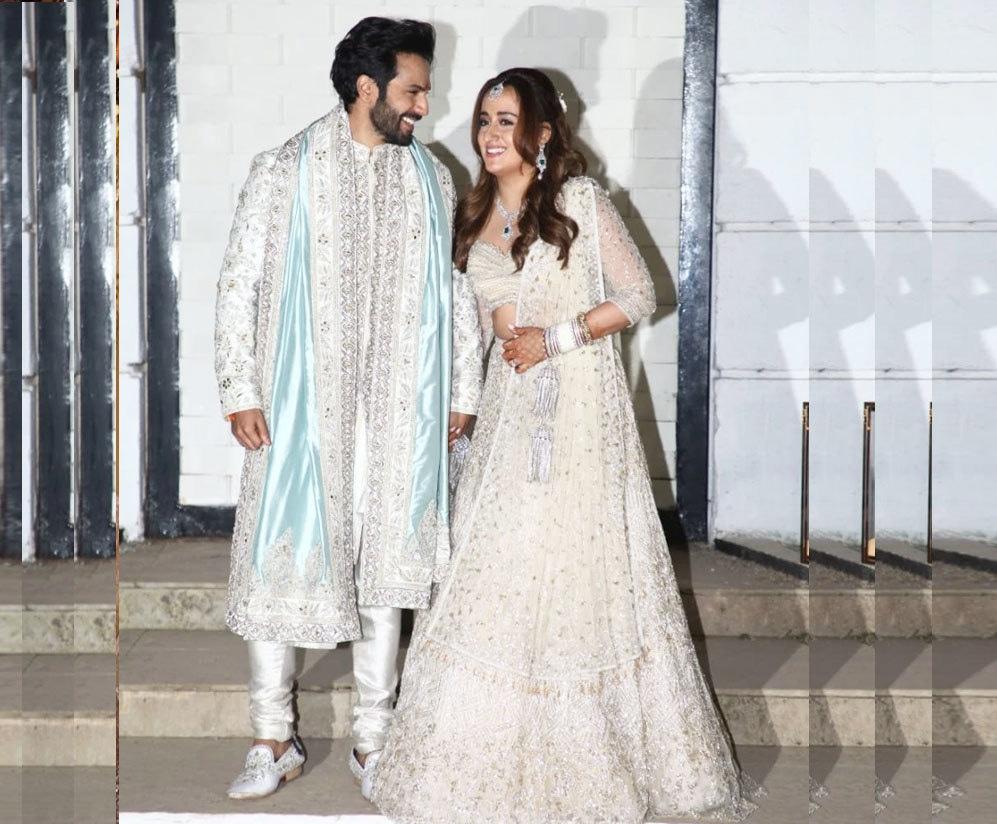 دونوں نے شادی کے موقع پر سفید رنگ کا لباس پہنا—فوٹو: انسٹاگرام