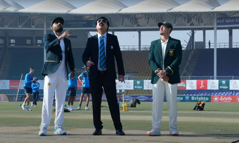 Pakistan skipper Babar Azam and South Africa captain Quinton de Kock look on during the toss. — DawnNewsTV