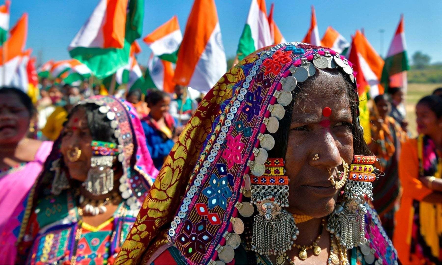 کسانوں کے احتجاج میں شہریوں نے شرکت کی —فوٹو: اے ایف پی