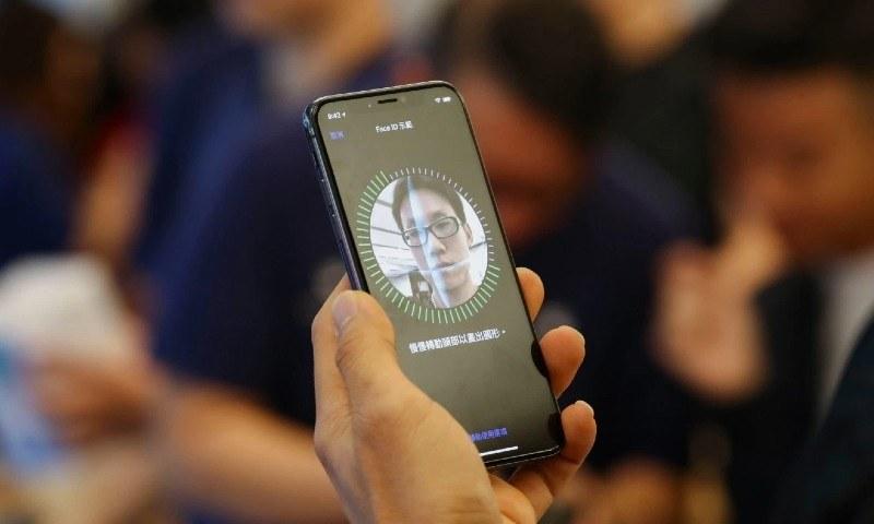 آئی فون میں فیس ماسک پہننے پر بھی ان لاک کرنے کا نیا فیچر متعارف
