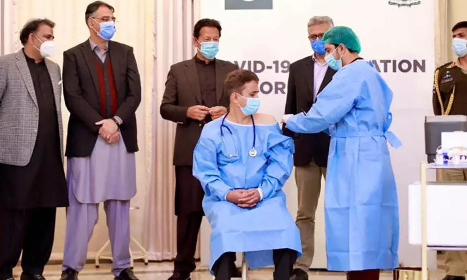 اسلام آباد میں 2 فروری کو ویکسینیشن کا آغاز ہوا — اے ایف پی فوٹو