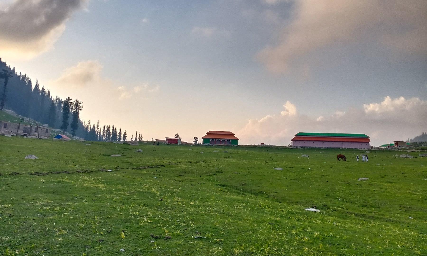 ڈھلتی شام کا منظر — تصویر: عظمت اکبر
