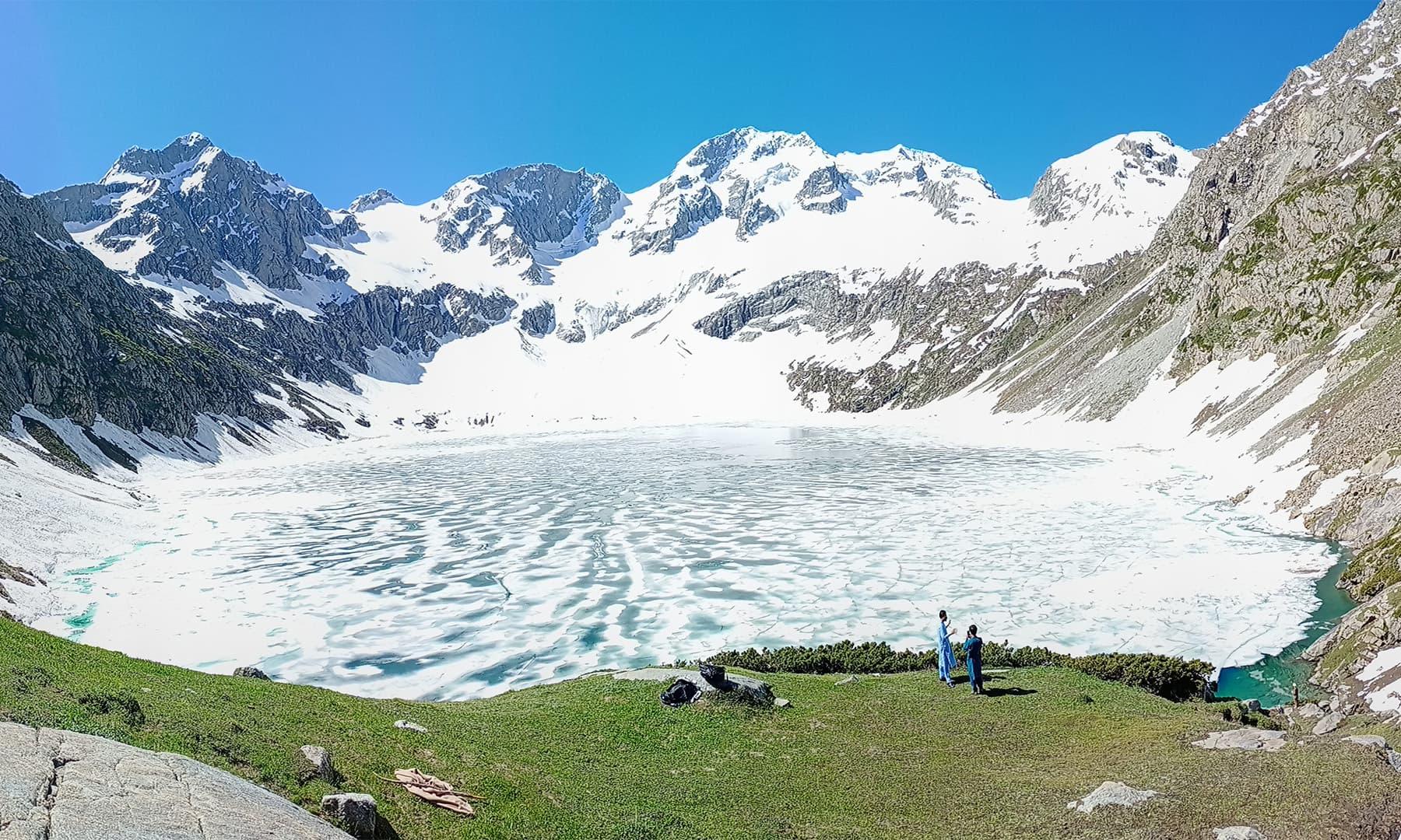 کٹورا جھیل — تصویر: عظمت اکبر
