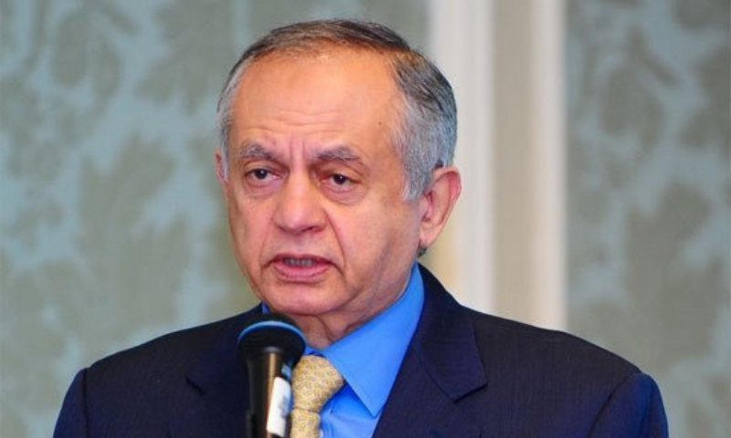 Adviser to the Prime Minister on Commerce Abdul Razak Dawood has said that the government will not allow duty-free import of cotton from India to bridge the shortfall. — APP/File