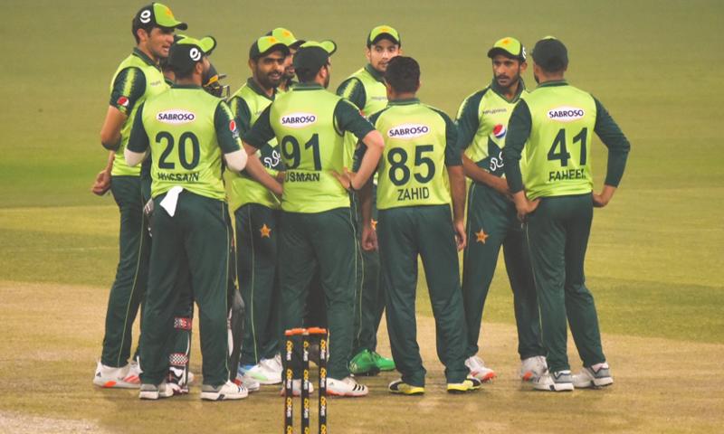 جنوبی افریقہ کی ٹیم پاکستان کے خلاف مشکلات سے دوچار ہے— فوٹو: پی سی بی