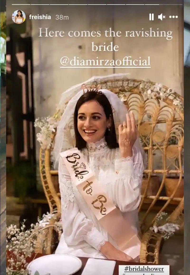 اداکارہ نے عروسی لباس کی بھی ایک تصویر شیئر کی—اسکرین شاٹ