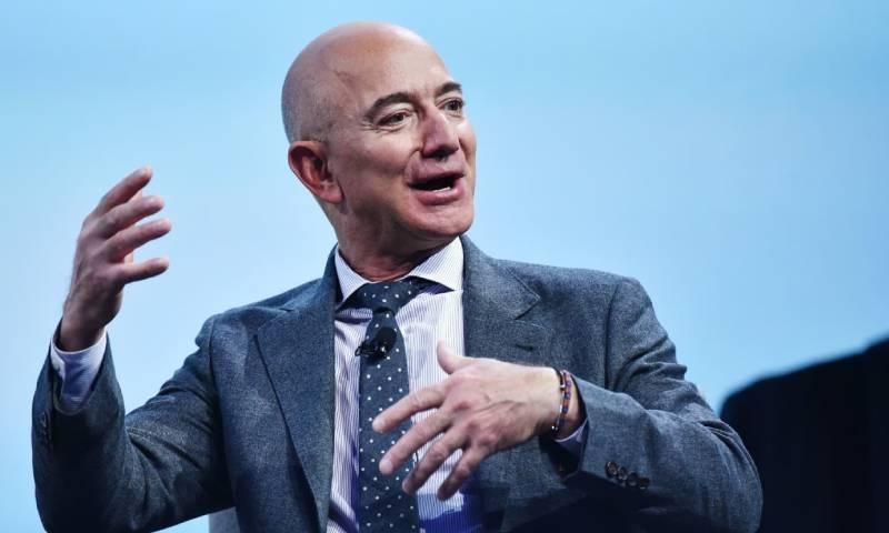 جیف بیزوز 6 ہفتے بعد پھر سے دنیا کے امیر ترین شخص بن گئے