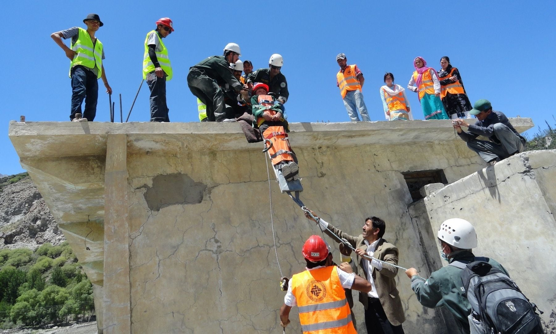 Joint simulation of Community Emergency Response Teams and local Search and Rescue Teams — image courtesy: AKAH-P