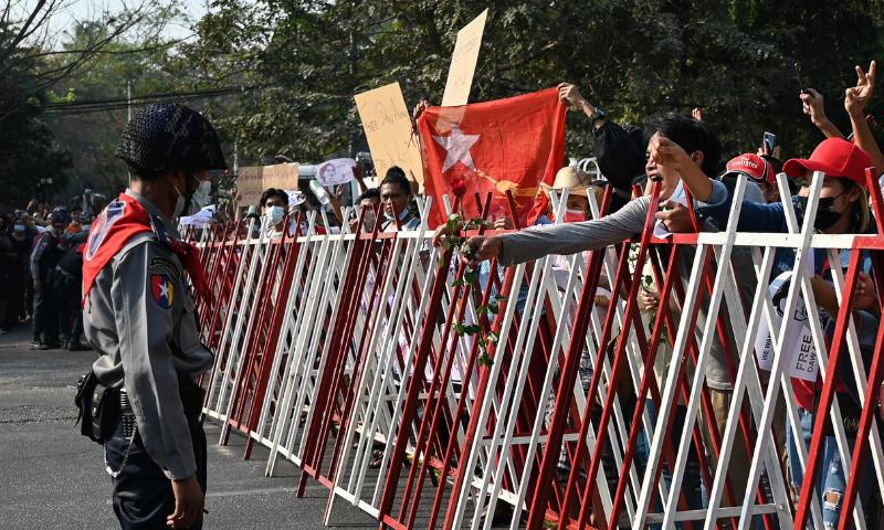 برطانیہ، کینیڈا نے میانمار کے حکمران جرنیلوں پر پابندیاں عائد کردی