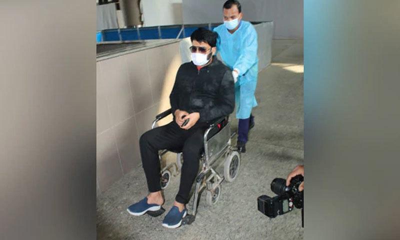 کپل شرما کو 23 فروری کو ممبئی ایئرپورٹ پر ویل چیئر پر دیکھا گیا—اسکرین شاٹ