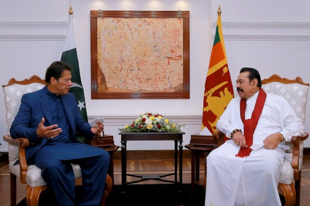 Prime Minister Imran Khan (left) meets with his Sri Lankan counterpart, Mahinda Rajapaksa. — Photo courtesy: Twitter