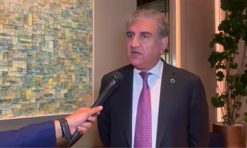 FM Shah Mahmood Qureshi speaks to a reporter about PM Imran's visit to Sri Lanka. — Photo courtesy Radio Pakistan