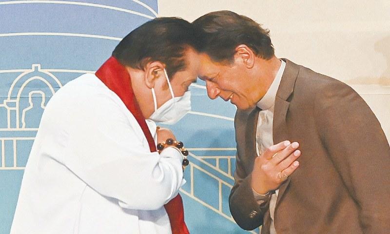 وزیر اعظم عمران خان سری لنکا کا دو روزہ دورہ مکمل کرکے وطن واپس پہنچ گئے۔ - فائل فوٹو:اے ایف پی