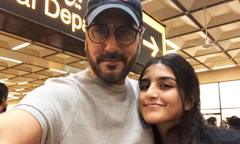 کامیابیوں پر غرور نہ کرنا، عدنان صدیقی کا بیٹی کو سالگرہ پر پیغام