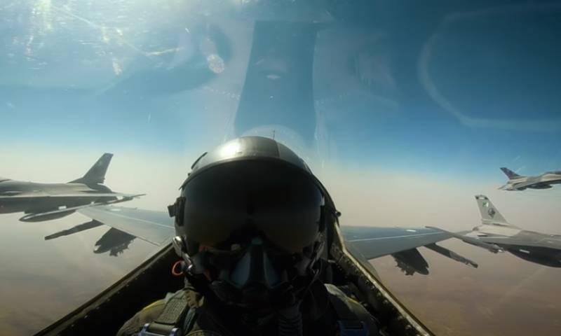 27 فروری 2019 کو پاک فضائیہ نے ملک کی فضائی حدود کی خلاف ورزی کرنے والے بھارتی طیاروں کو مار گرایا تھا— فوٹو:اسکرین شاٹ